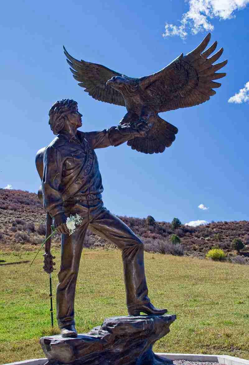 large bronze eagle sculptures,