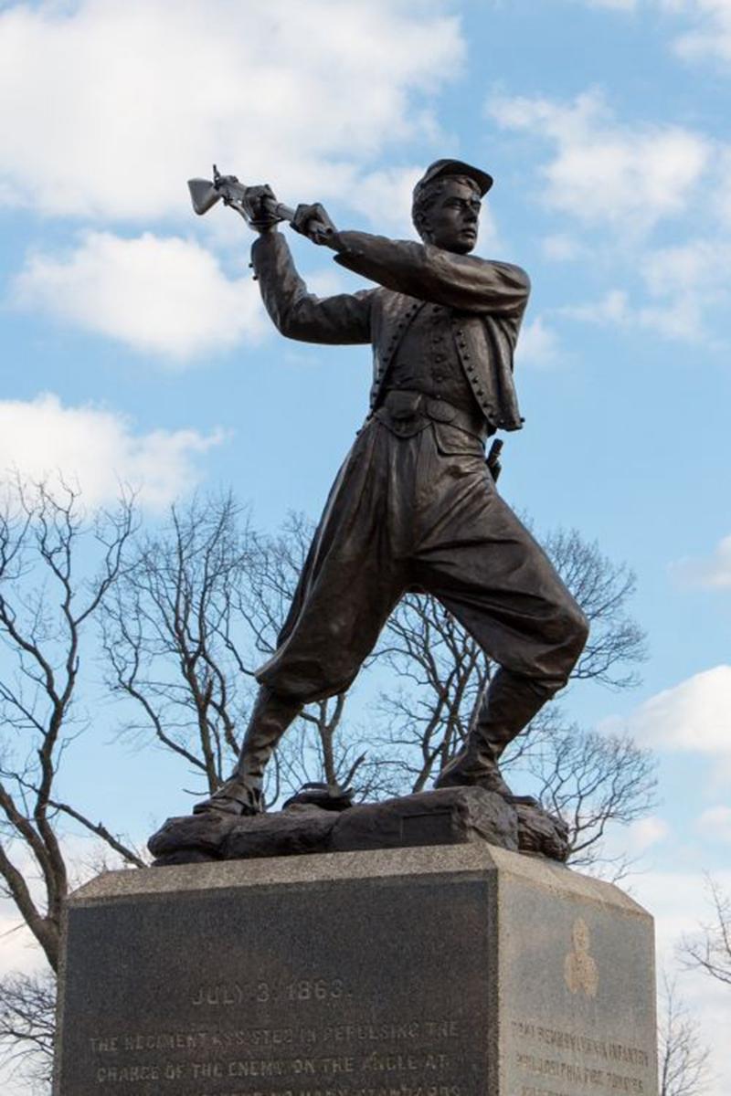 soldier garden statue,