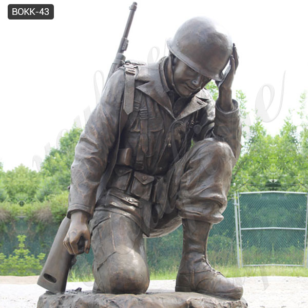 Hand Carved Bronze Kneeling Soldier Monument Statue with Competitive Price BOKK-43