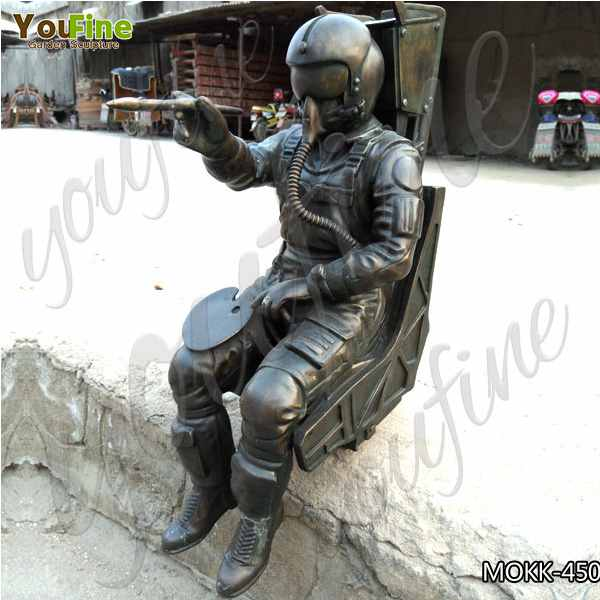 Outdoor Life Size Casting Bronze Spaceman Statue for Decor Manufacturer BOKK-450