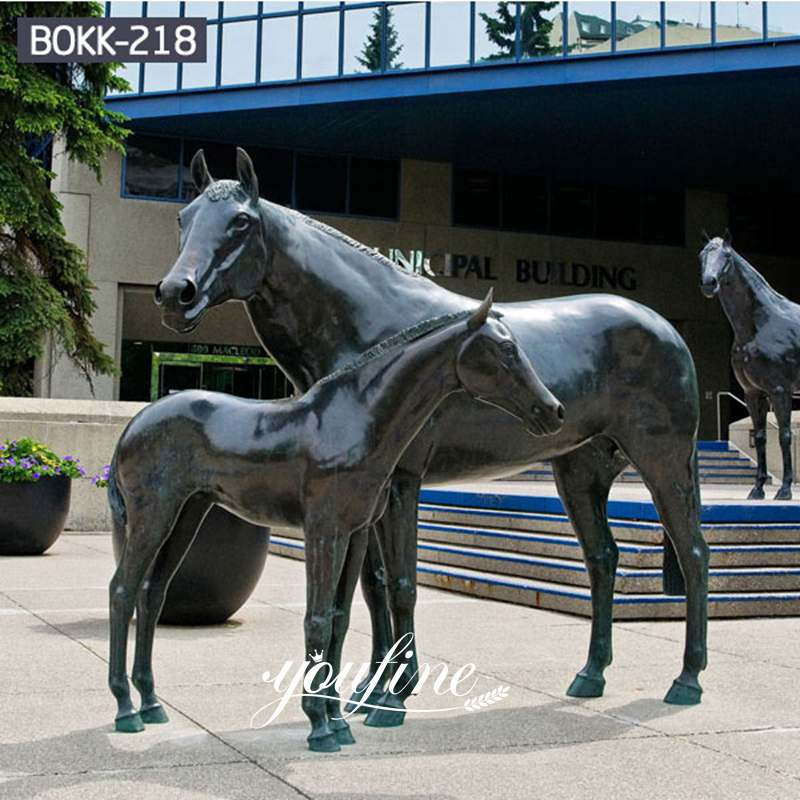 Bronze Mare and Foal Statue Square Decoration for Sale